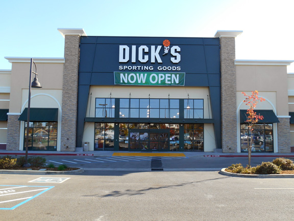 DICK'S Sporting Goods Store in Redding, CA