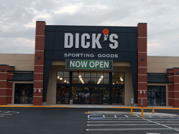 DICK'S Sporting Goods Store in Colonial Heights, VA