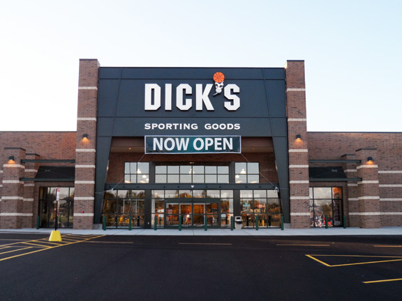 DICK'S Sporting Goods Store in Akron, OH