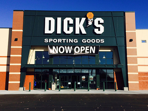 DICK'S Sporting Goods Store in Holland, MI