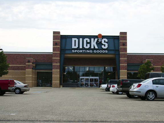 DICK'S Sporting Goods Store in Mount Pleasant, WI