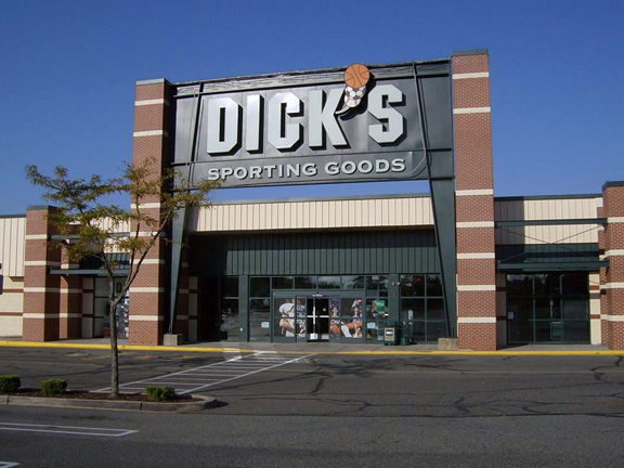 DICK'S Sporting Goods Store in East Brunswick, NJ