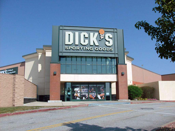 DICK'S Sporting Goods Store in Middletown, NY