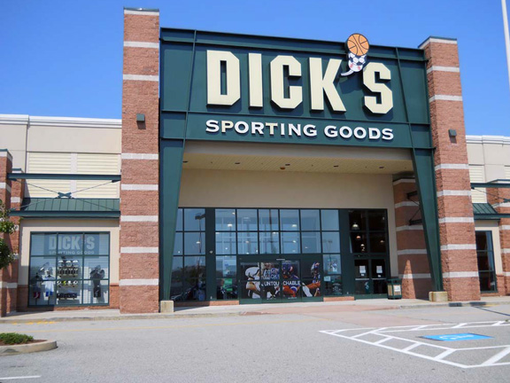 DICK'S Sporting Goods Store in Waterford, CT