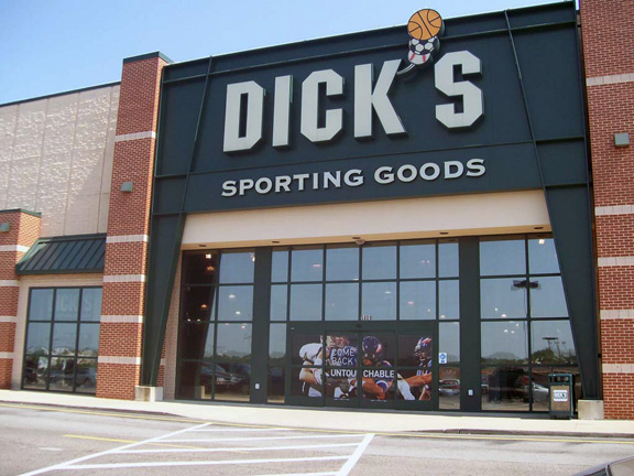 DICK'S Sporting Goods Store in Niles, OH
