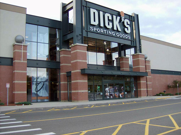 DICK'S Sporting Goods Store in Saugus, MA