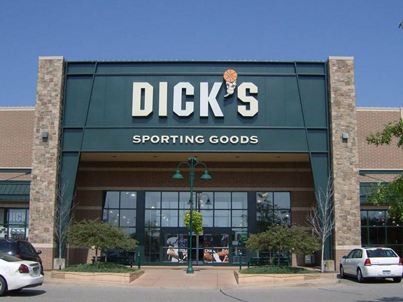 DICK'S Sporting Goods Store in Brighton, MI