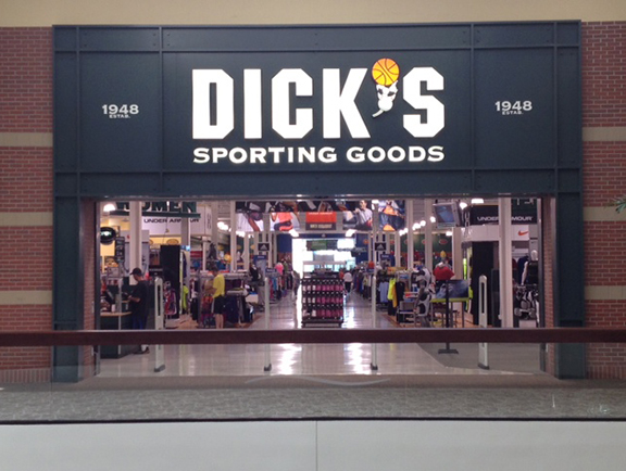 DICK'S Sporting Goods Store in Littleton, CO