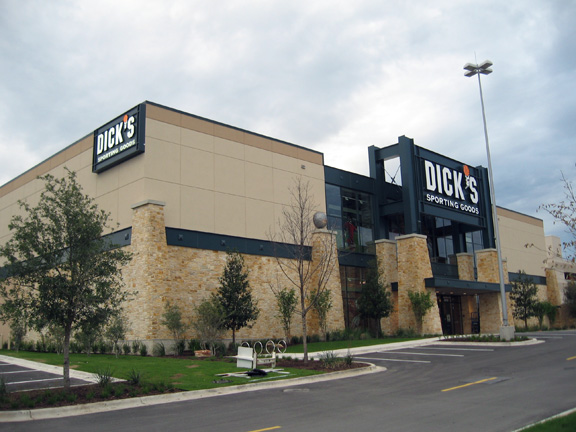 DICK'S Sporting Goods Store in Austin, TX