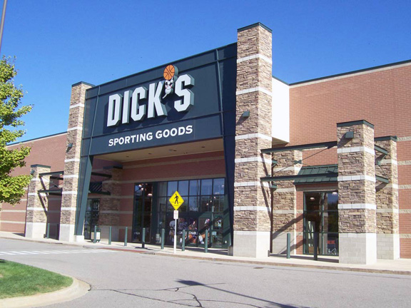 DICK'S Sporting Goods Store in Chesterfield Twp, MI