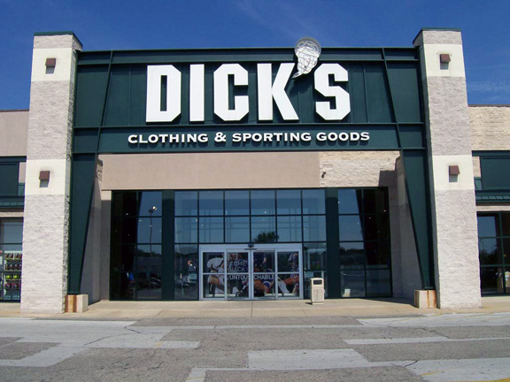 DICK'S Sporting Goods Store in Holland, OH