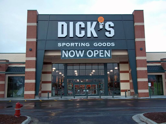 DICK'S Sporting Goods Store in Port Huron, MI