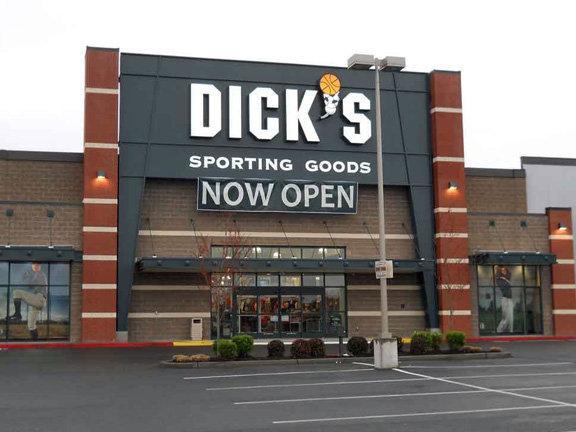 DICK'S Sporting Goods Store in Renton, WA