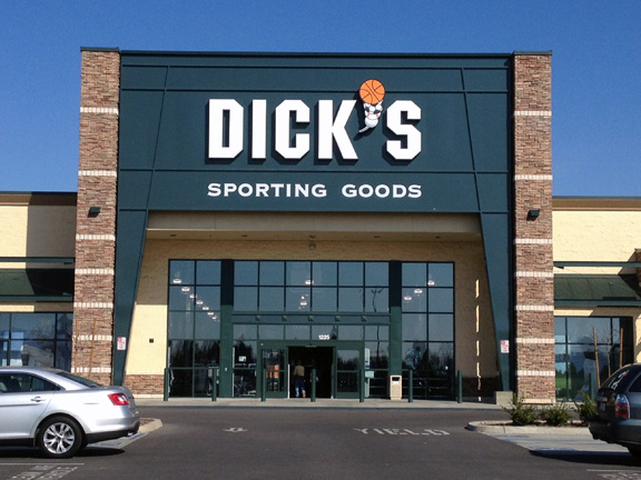 DICK'S Sporting Goods Store in Clovis, CA