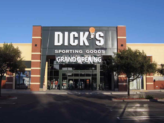 DICK'S Sporting Goods Store in Modesto, CA