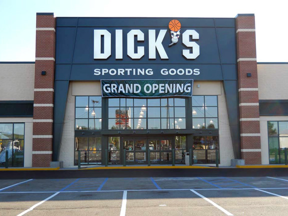 DICK'S Sporting Goods Store in Staten Island, NY