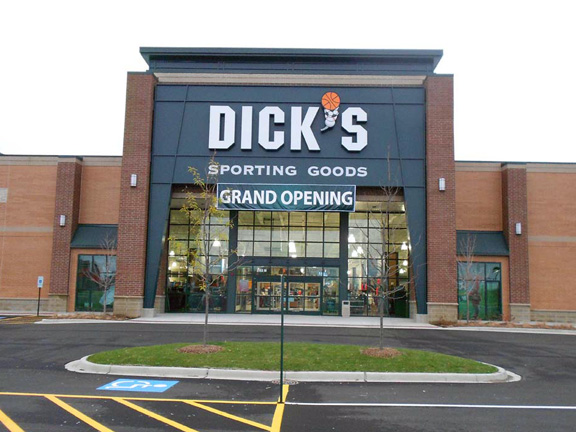 DICK'S Sporting Goods Store in Naperville, IL