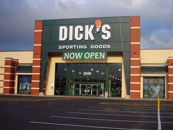 DICK'S Sporting Goods Store in Puyallup, WA