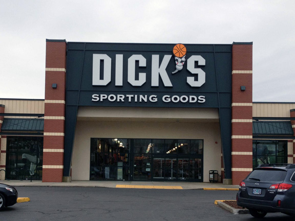 DICK'S Sporting Goods Store in Salem, OR