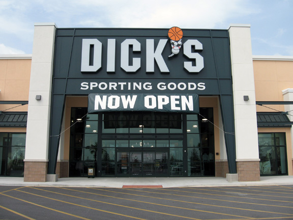 DICK'S Sporting Goods Store in Davenport, FL