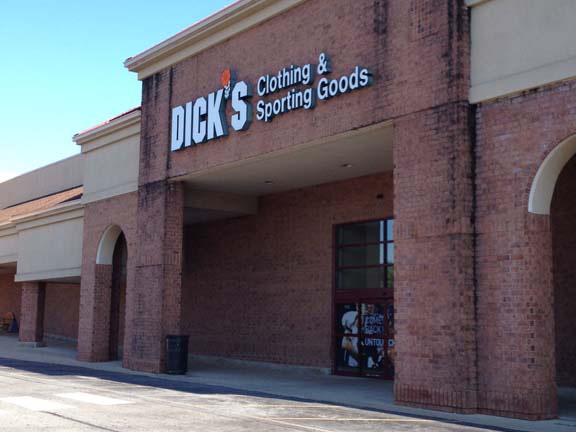 DICK'S Sporting Goods Store in Downingtown, PA
