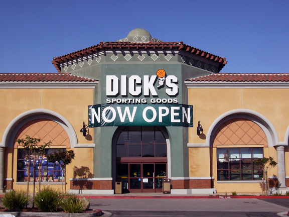 DICK'S Sporting Goods Store in Moorpark, CA
