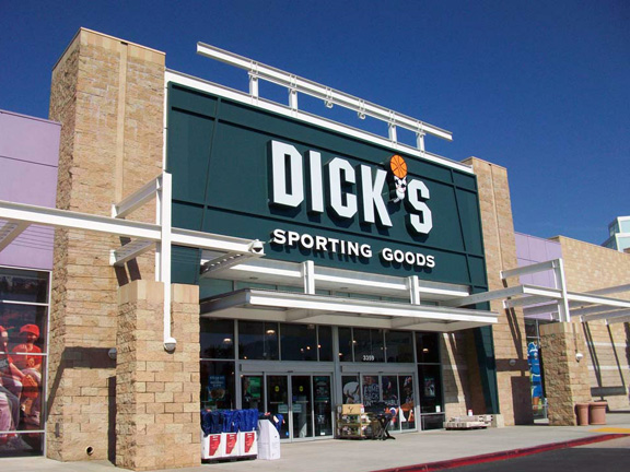 DICK'S Sporting Goods Store in Pasadena, CA