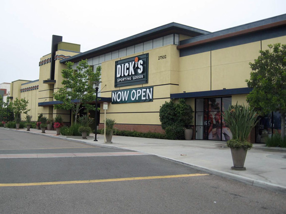 DICK'S Sporting Goods Store in Ladera Ranch, CA